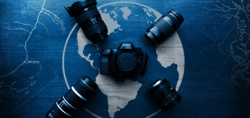 What are the different travel photography accessories?